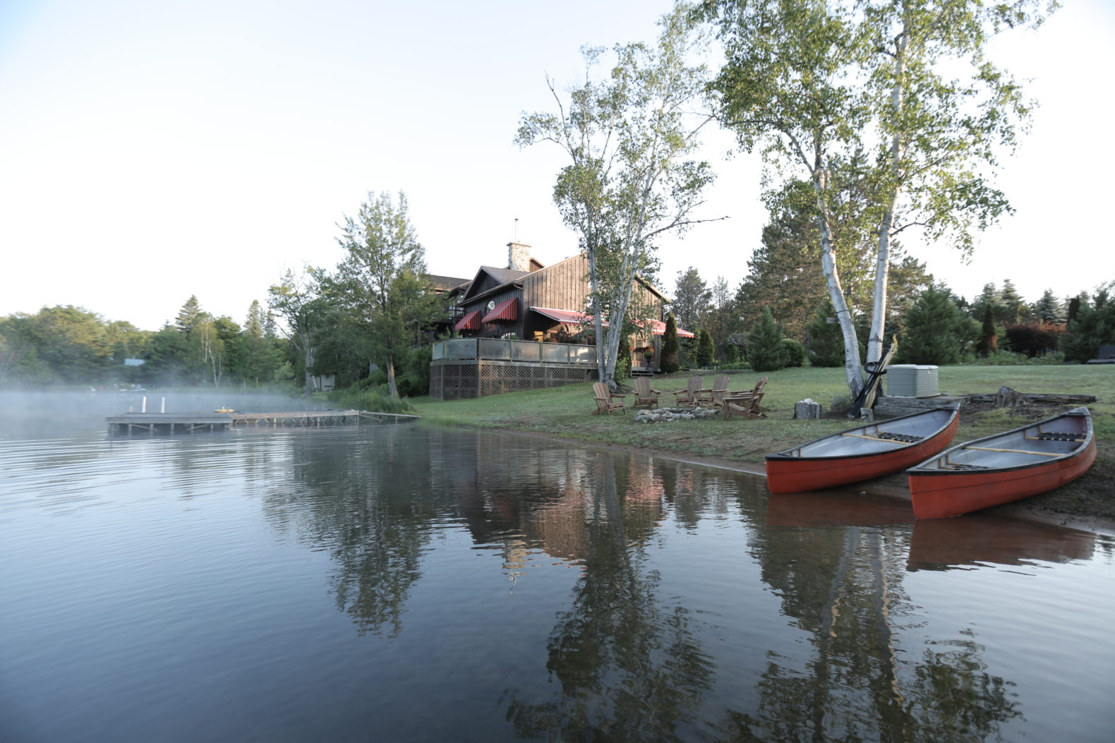 lake-canoes-sport-swimming-water-activity-grail-springs-canada-holistic-retreat