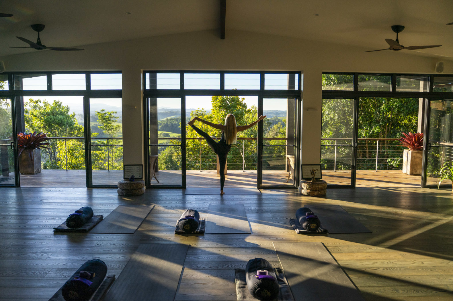 light-samadhi-yoga-room-gaia-retreat-spa-healing-hotel-australia