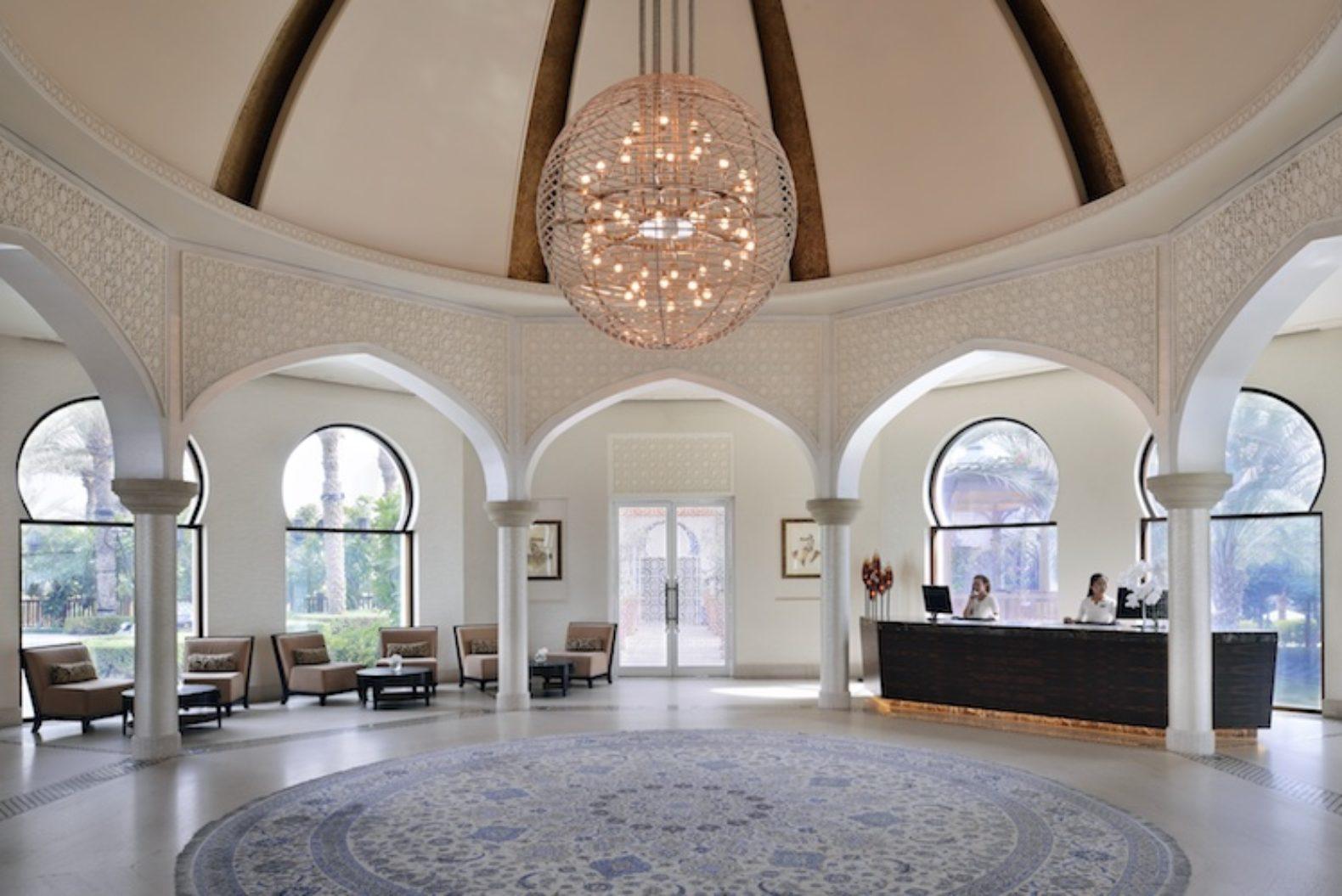 spacious-modern-lobby-entrance-hall-park-hyatt-dubai-hotel