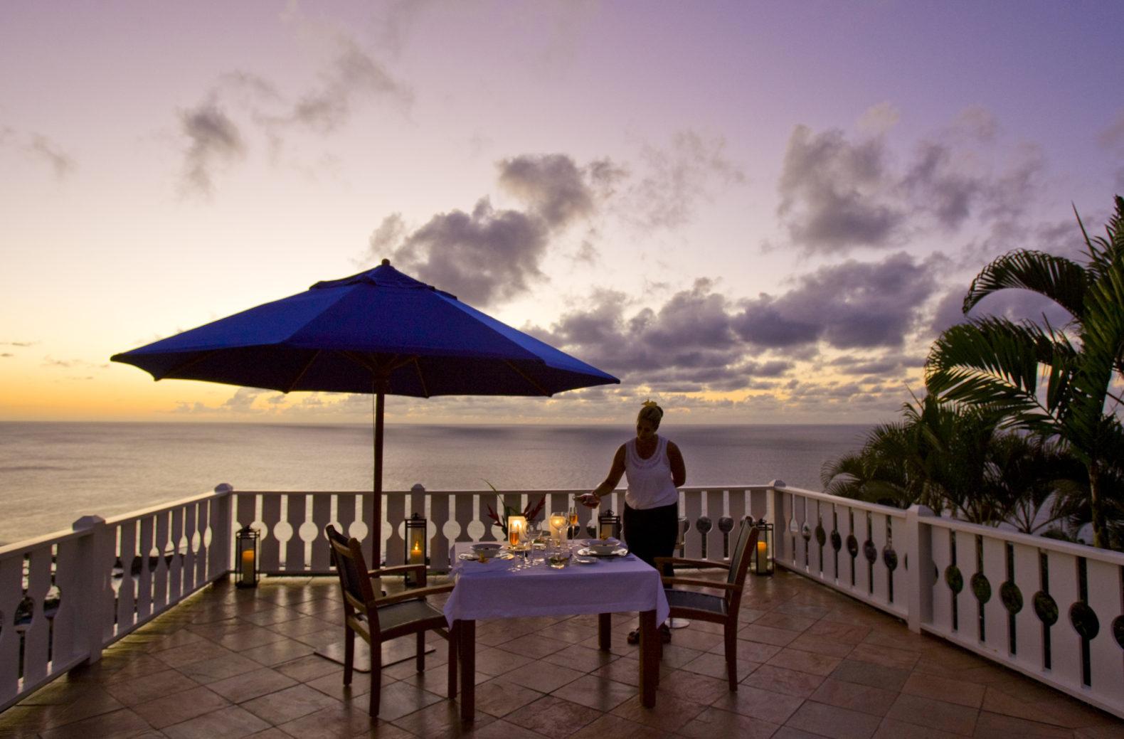 sundeck-romantic-dinner-sunset-candlelight-the-sullivan-estate-jk7-spa-retreat-usa