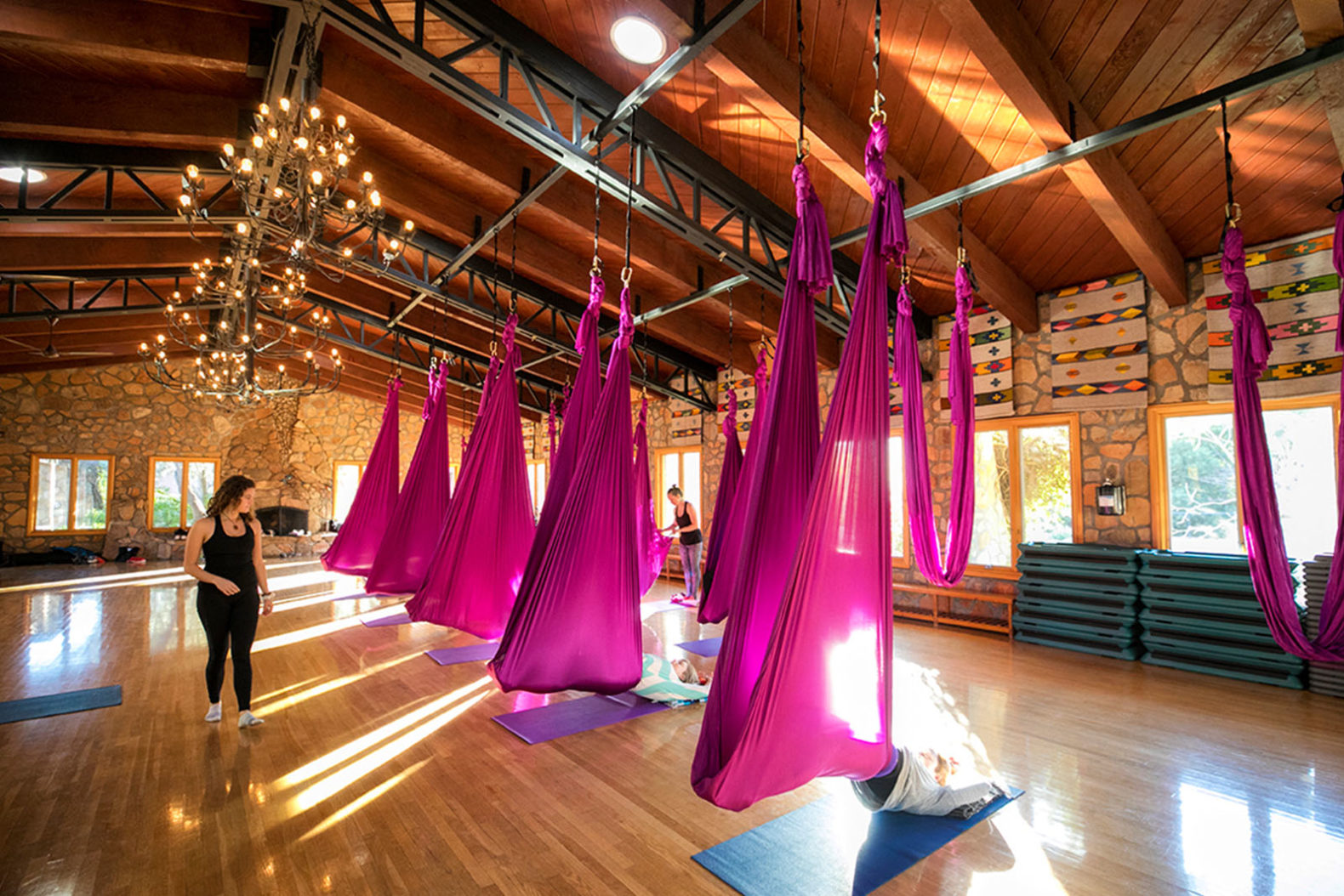 aeriel-yoga-flying-yoga-group-session-experience-sports-rancho-la-puerta-mexico-fitness-resort-spa-hotel