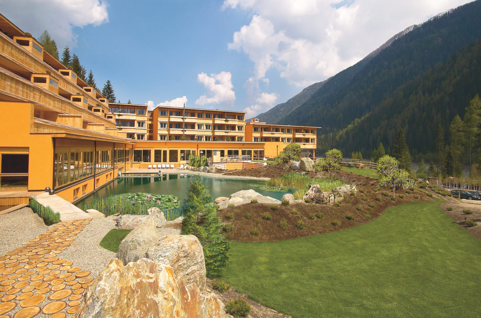 outdoor-view-main-building-beautiful-landscape-arosea-life-balance-hotel-italy