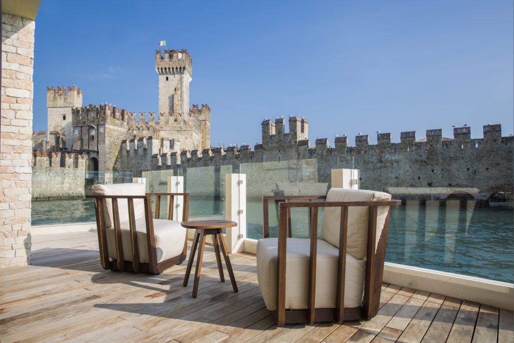 castello-outdoor-castle-scaligero-view-grand-hotel-terme-di-sirmione-lago-garda-italy