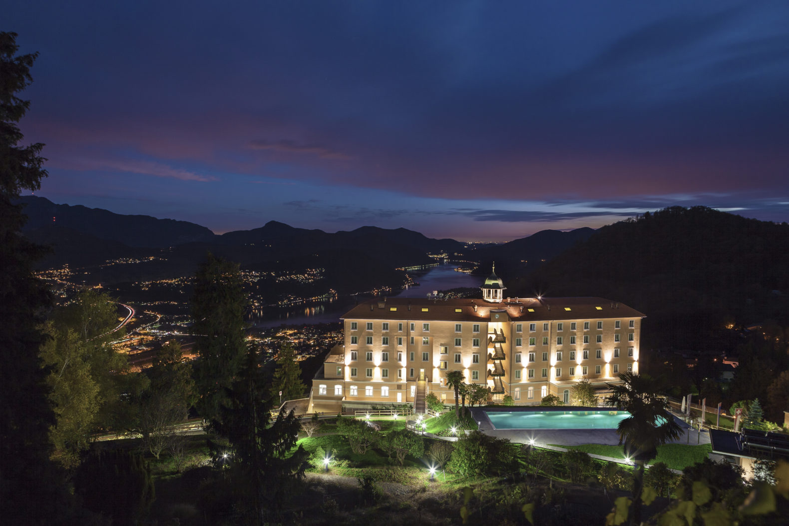 kurhaus_cademario_hotel_spa_outside_building-night_switzerland