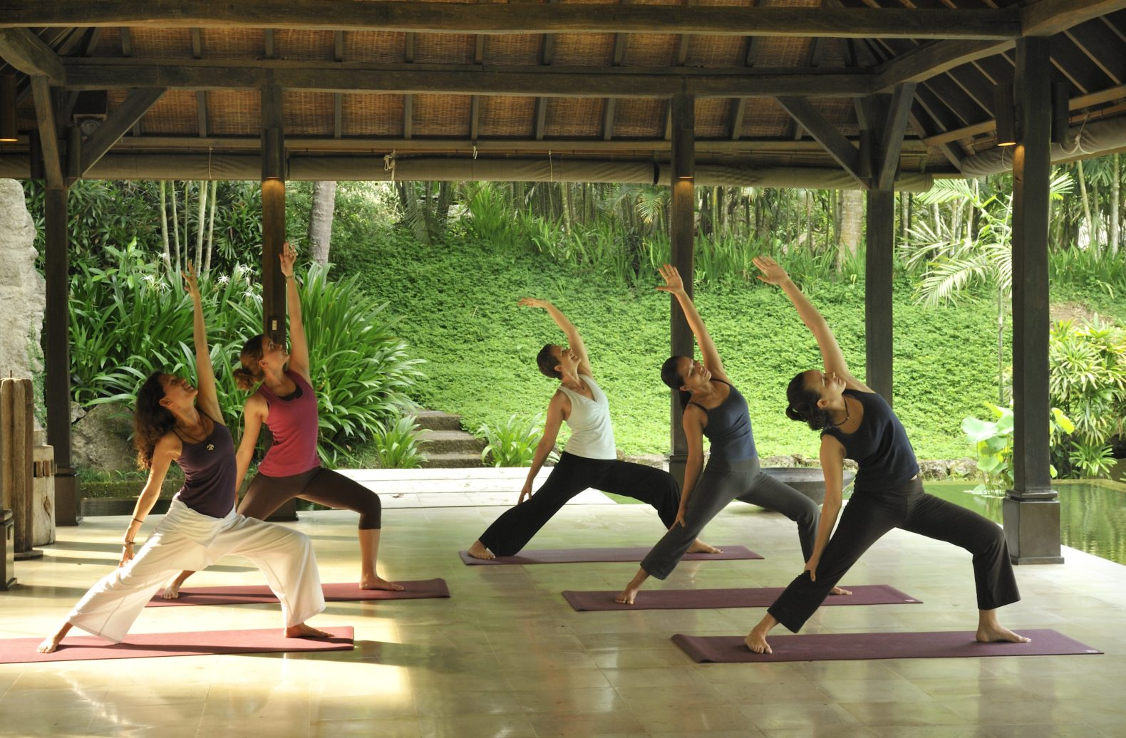 group-yoga.class.outdoor-relax-experience-healing-the-farm-at-san-benito-philippines-asia