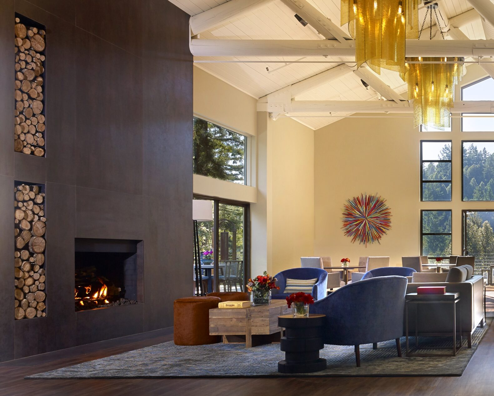 interior-loft-lounge-canyon-ranch-woodside-california-usa-new